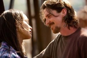 Christian Bale y Zoe Saldana en 'Out of the furnace'