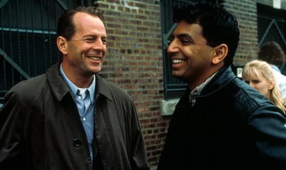 Bruce Willis y M. Night Shyamalan en el rodaje de 'El sexto sentido'