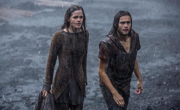 Emma Watson y Douglas Booth, enamorados pese al Diluvio