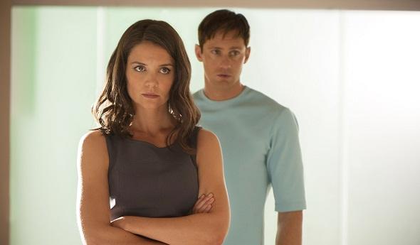 Katie Holmes y Alexander Skarsgard son los padres del protagonista de 'El dador'