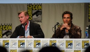 Matthew McConaughey junto a Christopher Nolan en la Comic Con