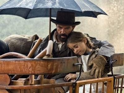 Antonio Banderas y Allegra Allen en la primera imagen de 'Altamira'