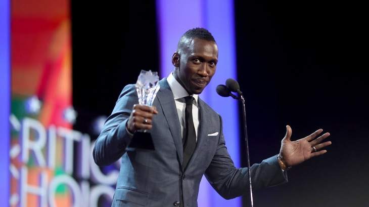 Mahershala Ali vence por 'Moonlight'