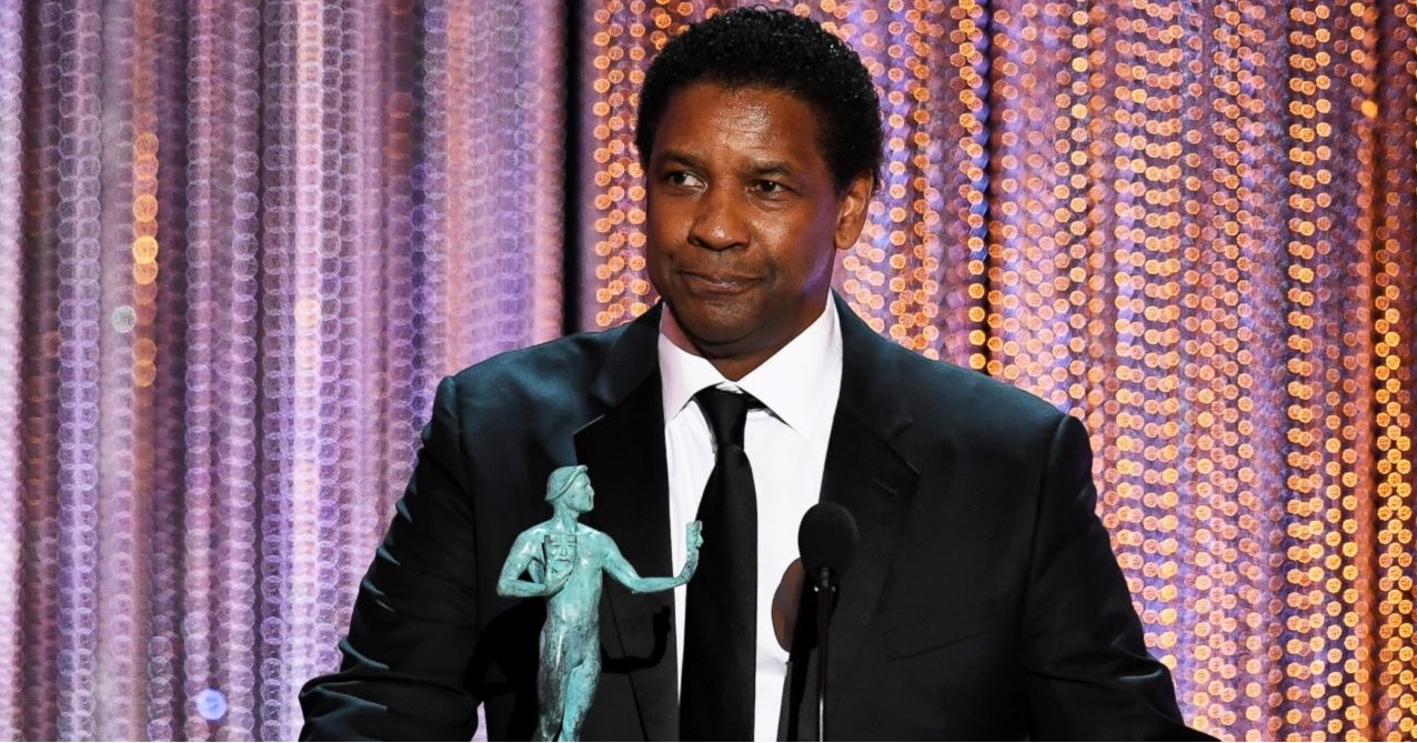 Denzel Washinton recoge su premio por 'Fences'